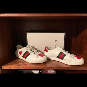 Gucci Heart ❤️ sneakers